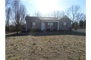 2350 Old Greenbrier Pike, Greenbrier, TN 37073