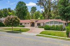5037 Corbin Ave, Tarzana, CA 91356