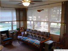 4 Cortlandt Dr, Toms River, NJ 08757