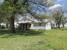 2920 Ford Rd, Thayer, KS 66776