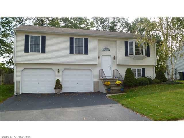 64 Spruce St, Wethersfield, CT