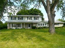 4325 Westover Ct, West Bloomfield Twp, MI 48323