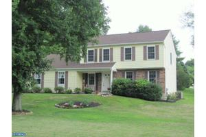 417 Pine Creek Rd, Exton, PA 19341