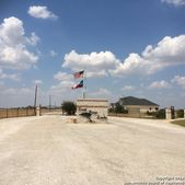 176 Gentle Breeze, Floresville, TX 78114