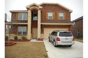 2636 Bois D Arc Ln, Grand Prairie, TX 75052