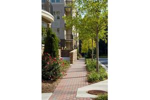 100 Riversedge Dr Unit 132, Atlanta, GA