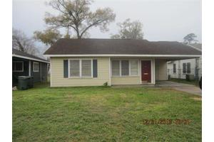 1965 Pope St, Beaumont, TX 77703