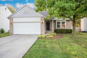 2642 Copperwood Rd, Hilliard, OH 43026