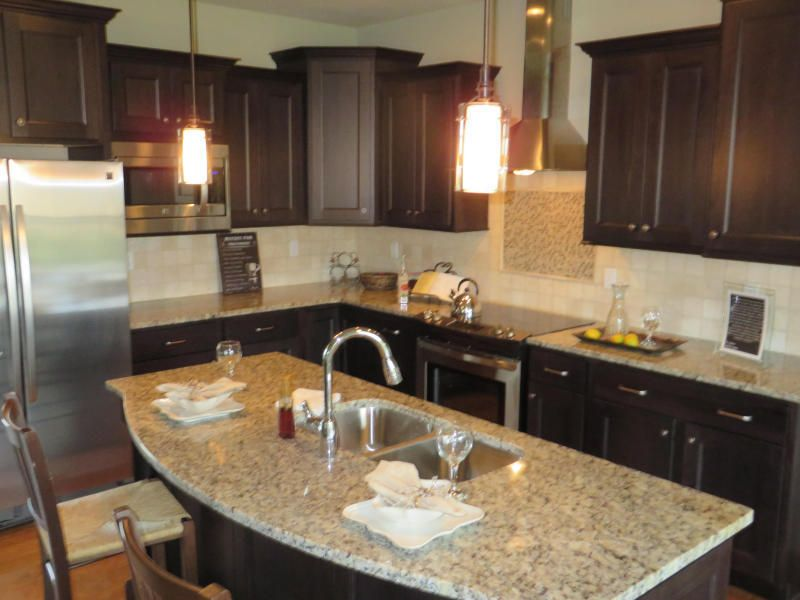 6403 Cobble Creek Dr, Columbia, MO 65201