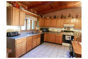 26 Ledgeview Dr, Freetown, MA 02702