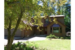 10295 N Lake Rd, Amherst Junction, WI 54407