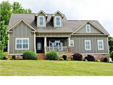 42 Vineyard Blvd, Ringgold, GA 30736