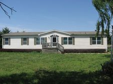 891 W Lake Rd, Farlington, KS 66734