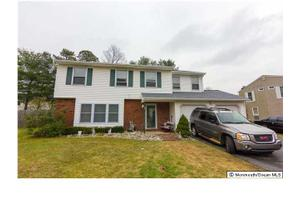 34 Charles Dr, Tinton Falls, NJ 07753