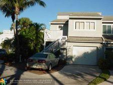 2446 Harbour Cove Dr, Fort Pierce, FL 34949