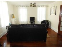 610 Franklin St Unit 2, Cambridge, MA 02139