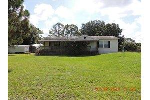 3903 W Double J Acres Rd, Labelle, FL 33935