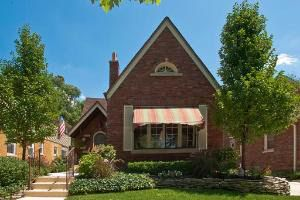 10611 S Maplewood Ave, Chicago, IL