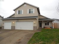 806 Meadow Dr, Molalla, OR 97038