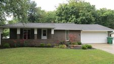 930 Sunset Dr, New Castle, IN 47362