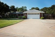 109 S Santa Clara Dr, Rockport, TX 78382