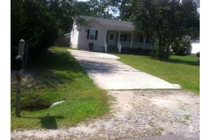 549 Edgewood Rd, Southport, NC 28461