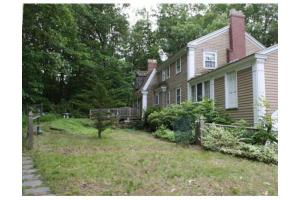 99 High St, Dunstable, MA 01827