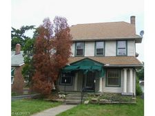 3279 Yorkshire Rd, Cleveland Heights, OH 44118