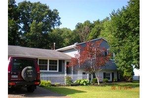 4641 Idleview Dr, Vermilion, OH 44089