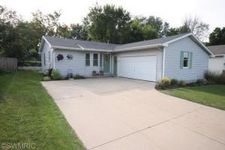 559 Cummings Ave Nw, Walker, MI 49534