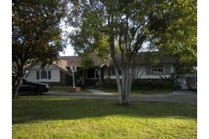 18342 Superior St, Northridge, CA 91325