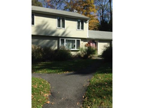 20 Comstock Ave Apt 2 C, Essex, CT 06442
