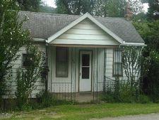 164 Center St, Saint Clair, PA 15923