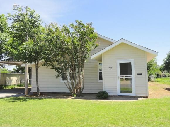 718 W C Ave Elk City OK 73644 Home For Sale And Real Estate Listing Rea