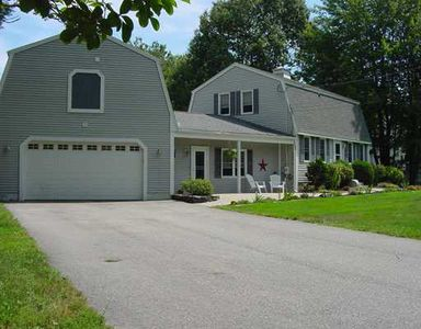 3 Banks Brook Rd, Old Orchard Beach, ME