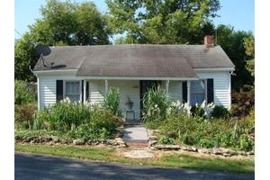 148 Mulberry St, Stamping Ground, KY 40379