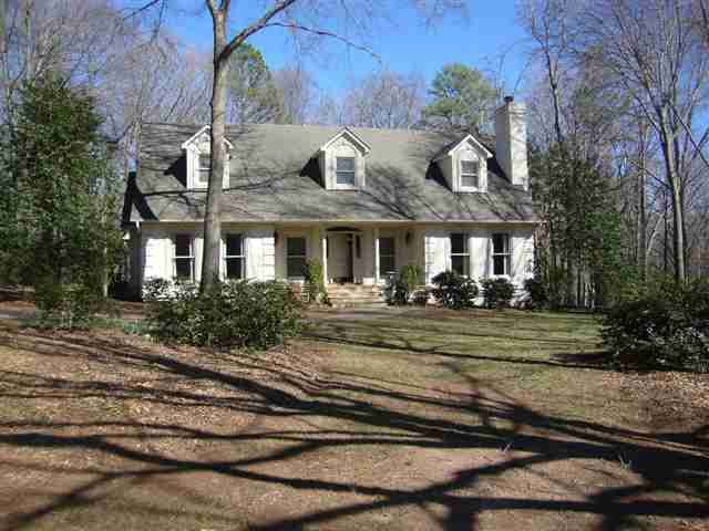 1114 Thornehill Dr, Anderson, SC 29621