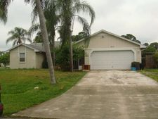 882 Se Forgal St, Port Saint Lucie, FL 34983