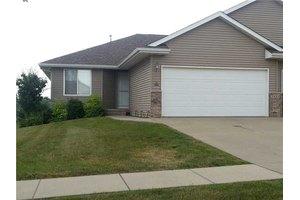 3925 37th Ave SW Unit A, Cedar Rapids, IA 52404
