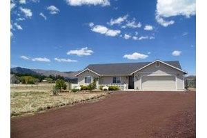 8095 E Thunder Creek Rd, Flagstaff, AZ 86004