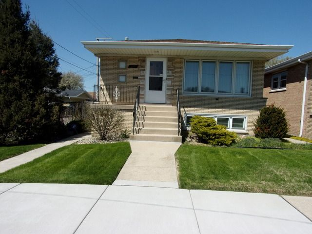 5710 w 56th st chicago il 60638 home for sale and real estate listing