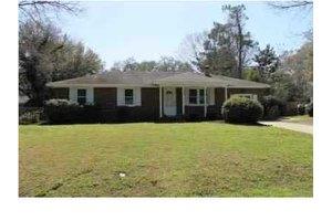 1327 Hampshire Rd, Charleston, SC 29412