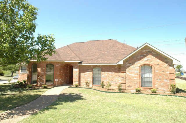 1230 Broken Arrow Trl, Carrollton, TX 75007