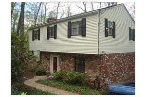 1523 Dogwood Rd, Charleston, WV 25314