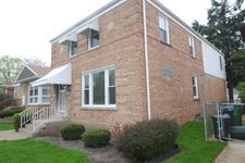 712 Newcastle Ave, Westchester, IL 60154