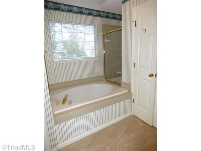 2202 Adams Farm Pkwy Greensboro Nc 27407 Realtor Com 174