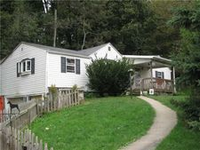 352 Slater Rd, Allegheny Twp - But, PA 16049