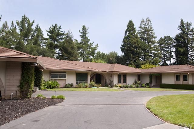 82 Forest Dr Napa, CA 94558