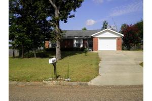 281 Blake Dr, Midland City, AL 36350