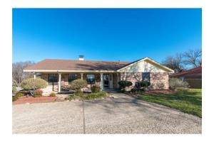 10611 Oak Grove Rd, Fort Worth, TX 76140